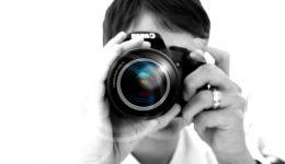 photographer-woman-digital-lens-hand-camera_121-67127
